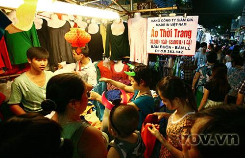 """Hàng Made in Việt Nam """"giảm giá"""""""